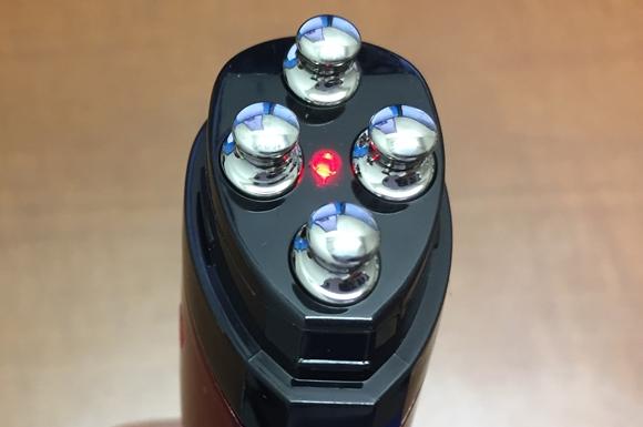 アデランスの美顔器「ビューステージ ベガス プレミアム」の赤色LED