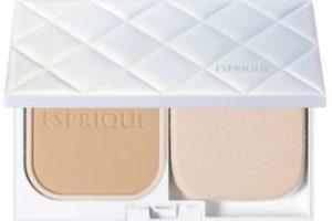 エスプリークのファンデーション「カバーするのに素肌感持続 パクト UV」