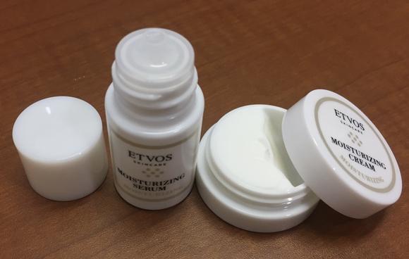 エトヴォスの美容液『モイスチャライジングセラム』と保湿クリーム『モイスチャライジングクリーム』