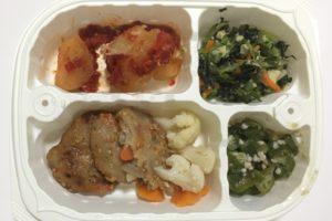 冷凍弁当「豚肉と根菜のピリ辛弁当」解凍後