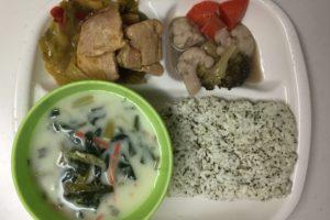 美健倶楽部の冷凍弁当「豚肉と野菜のカレー炒め」解凍後