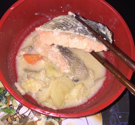 北海道産鮭(骨なし)の石狩煮